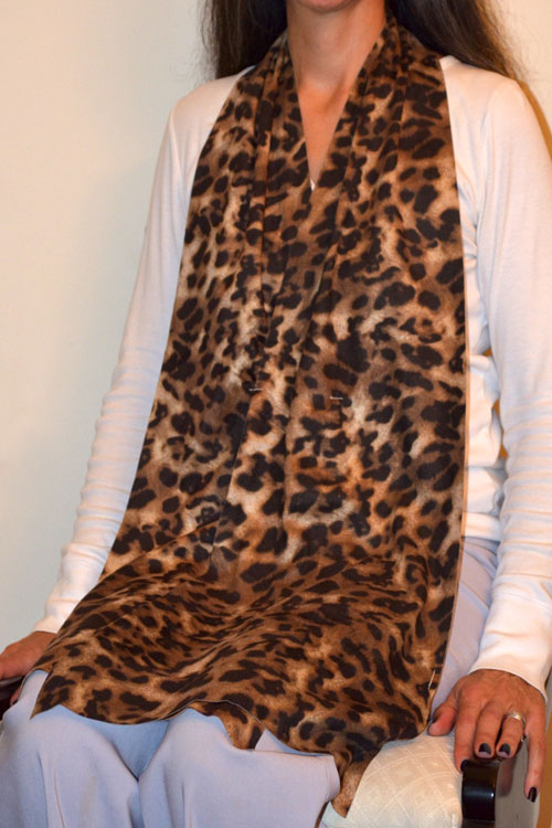 Cravaat II Leopard Long dining scarf adult bib